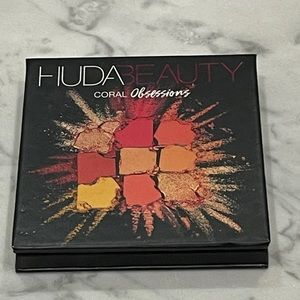 Huda Beauty Coral Obsession Eyeshadow Palette